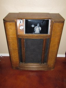Antique Radio Photo Booth